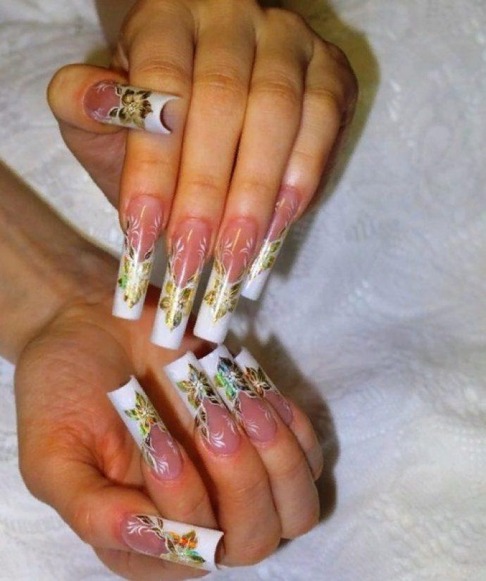 Арочный дизайн ногтей с рисунком