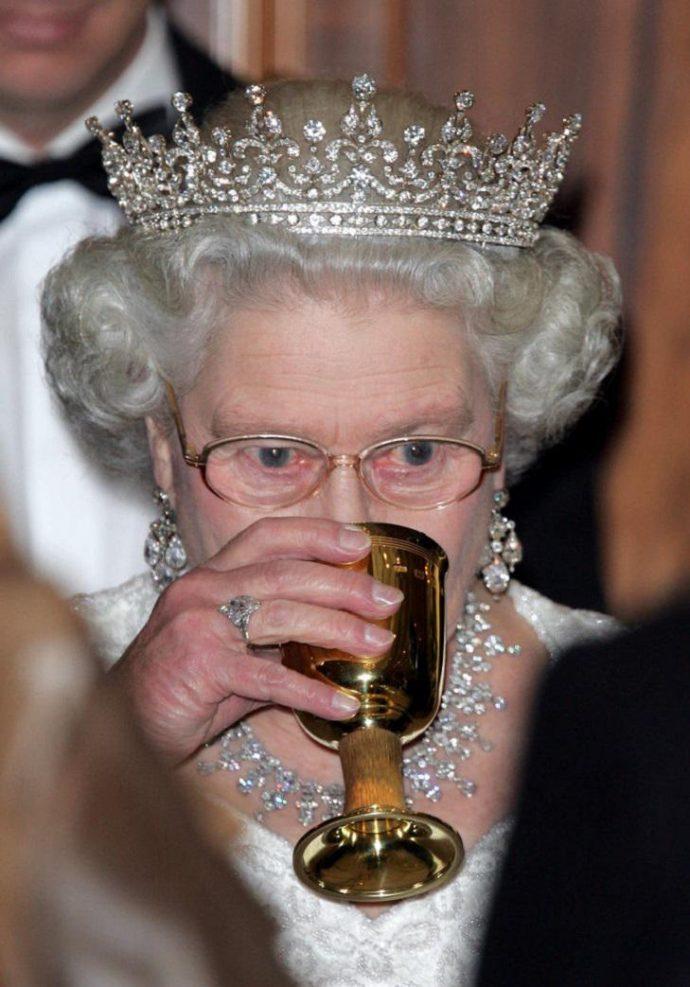 Натуральный маникюр королевы Елизаветы