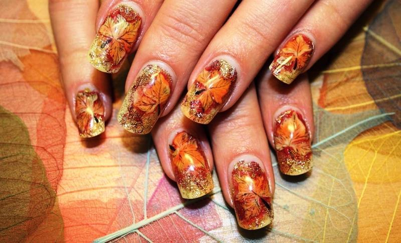 Осенний маникюр: 33 варианта дизайна ногтей с кленовыми листьями