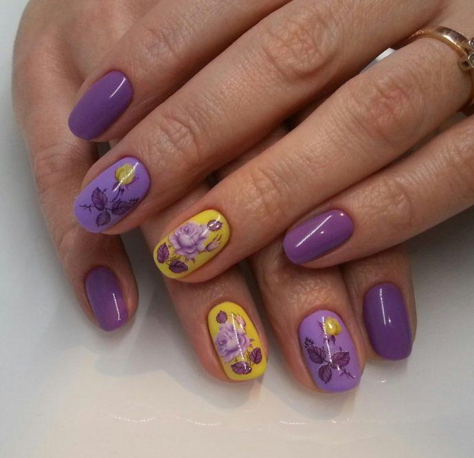 Маникюр фиолетовый с желтым с розами