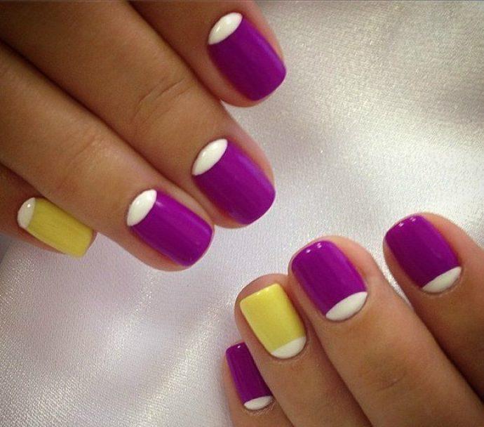 Лунный маникюр фиолетовый с желтым и белым