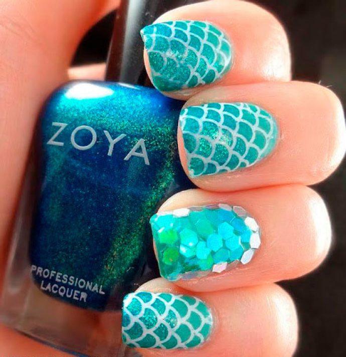 Дизайн ногтей с рыбьей чешуёй в морских тонах
