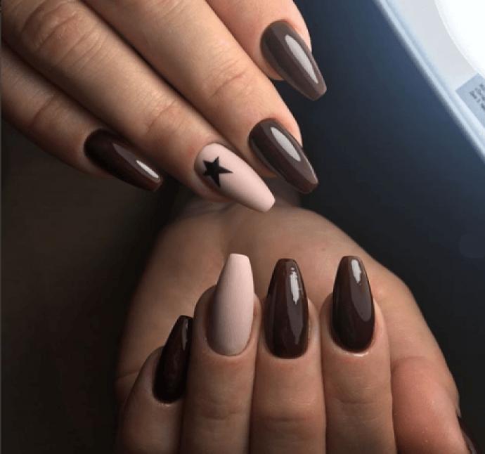 Дизайн ногтей в кофеных и бежевых тонах на форму балерина
