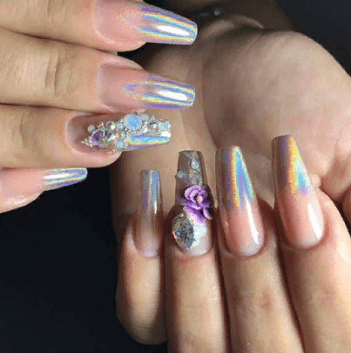 Дизайн ногтей с перламутром на форму балерина