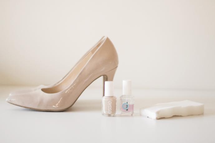 Маскировка потертостей на лакированной обуви