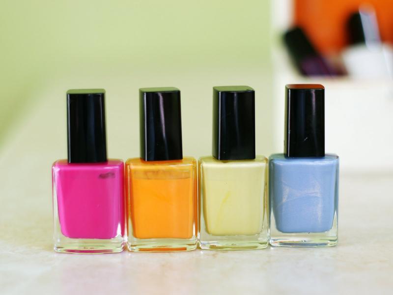 Просроченный лак для ногтей: можно ли им пользоваться