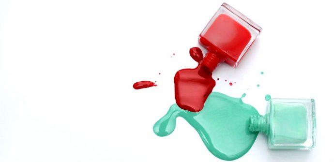 Красный и бирюзовый лак для ногтей