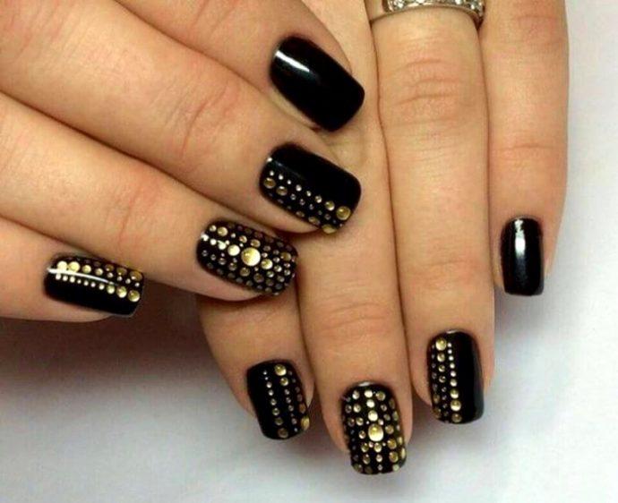 Черно-золотой маникюр