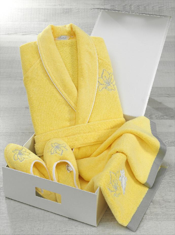 Комплект из махрового халата, полотенца и тапочек