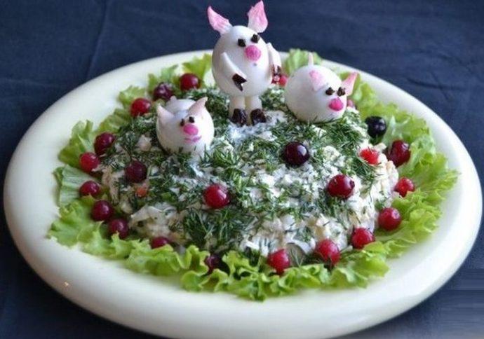 Украшение новогоднего салата