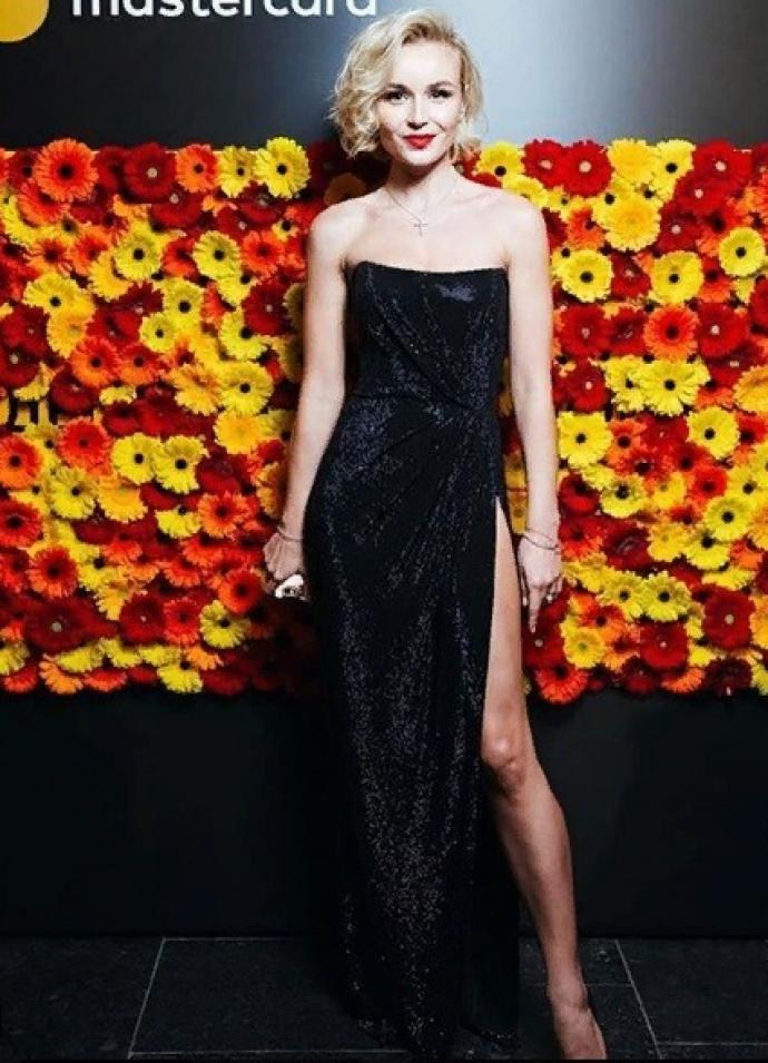 Полина Гагарина в вечернем платье