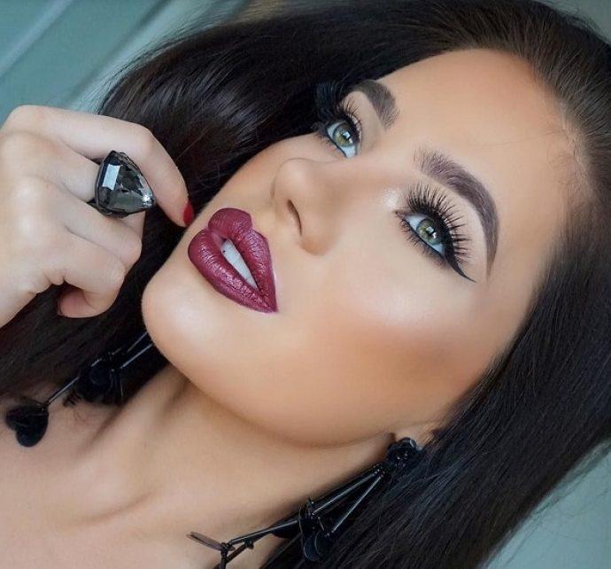 Вариант макияжа на Новый 2019 год