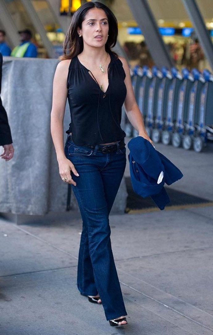 Сальма Хайек в джинсах