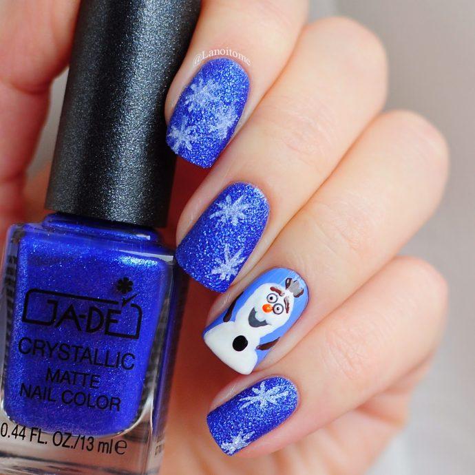 Блестящие синие ногти