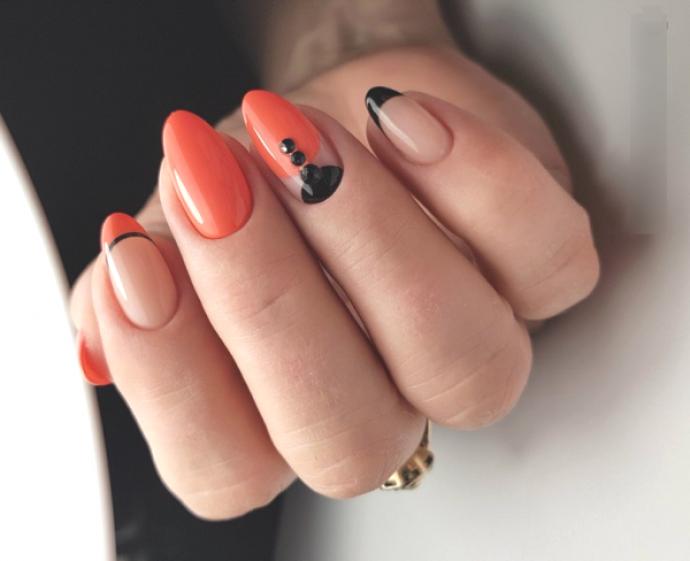 Чёрно-оранжевый маникюр
