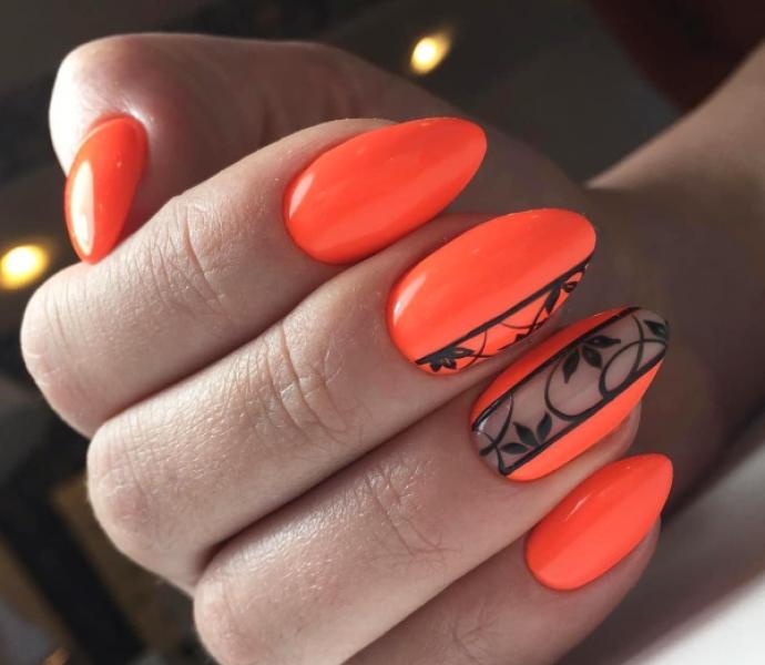 Ажурный чёрно-оранжевый маникюр
