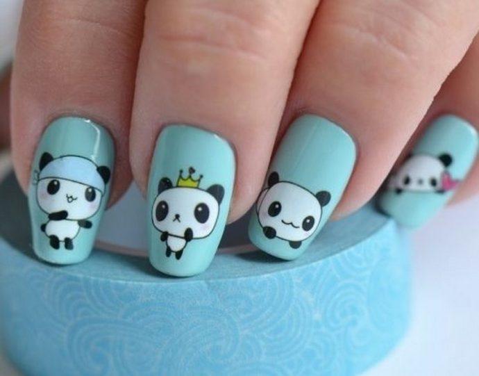 Маникюр голубого цвета с пандами