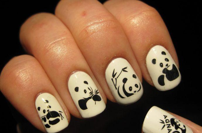 Белый маникюр с пандами