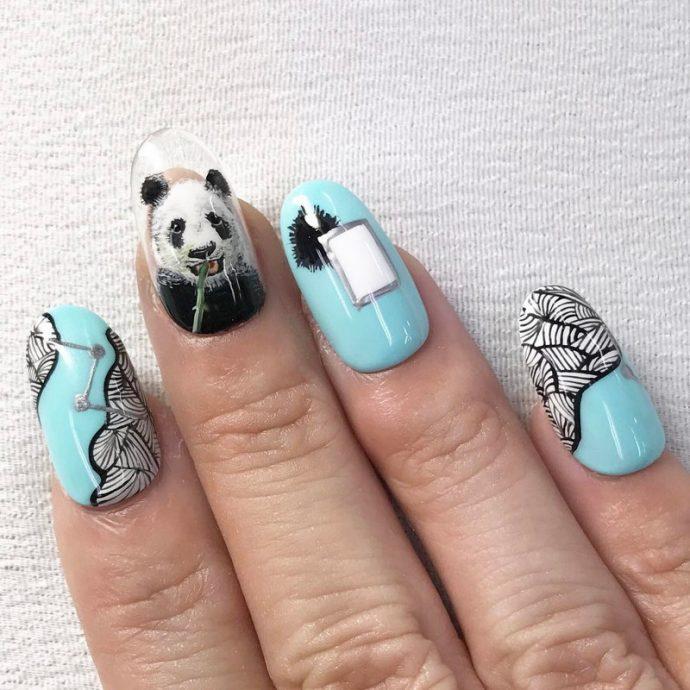 Необычный дизайн ногтей с пандой