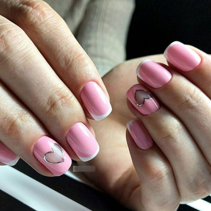 Розовый маникюр френч на 14 февраля