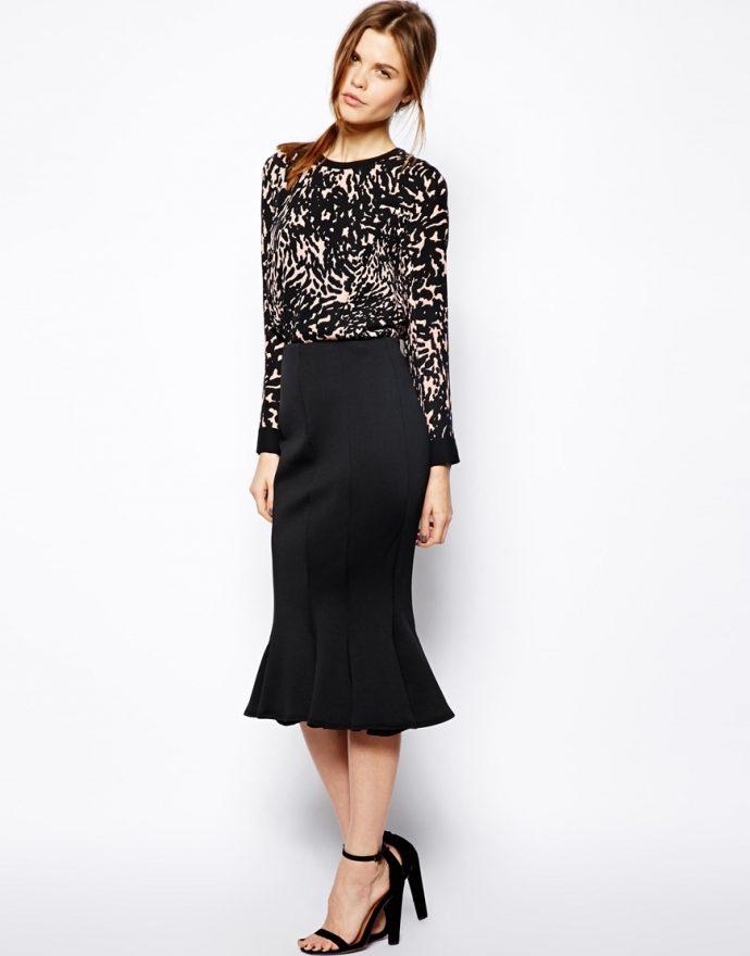 Чёрная юбка-коде