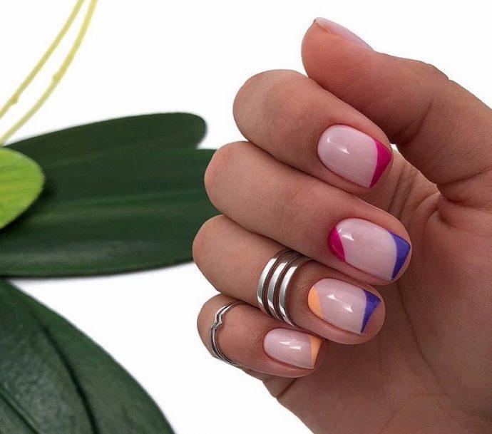 Лаконичный лунный дизайн ногтей