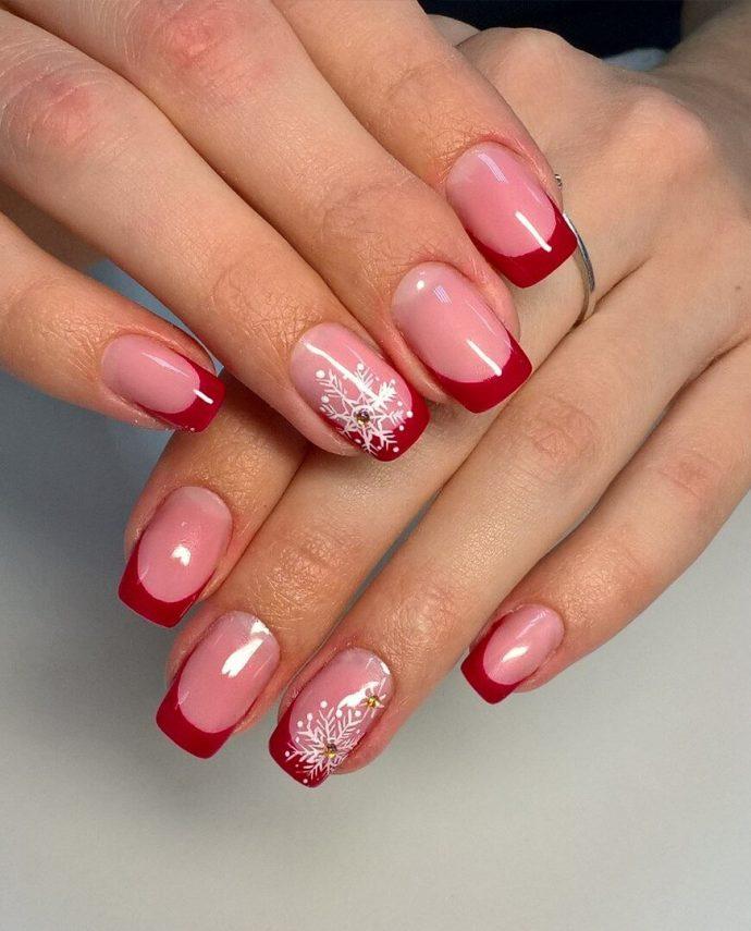 Маникюр френч розовый с красным