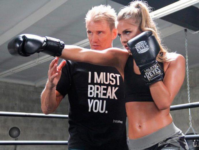 Дольф Лундгрен с дочерью тренируются на боксёрском ринге