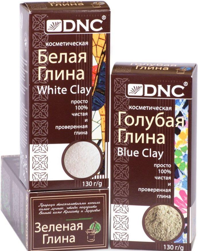 Белая, голубая и зеленая глина в упаковках