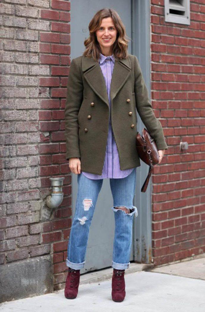 Сочетание предметов гардероба и аксессуаров с сапогами бордового цвета