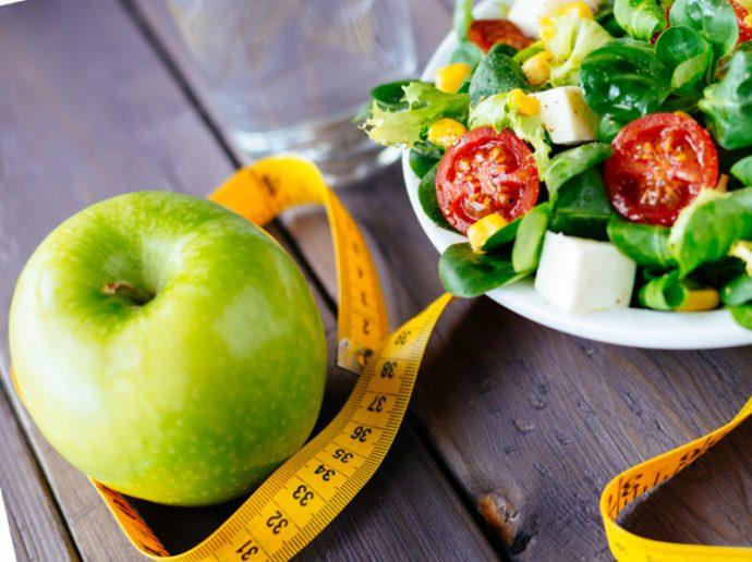Зелёное яблоко и салат