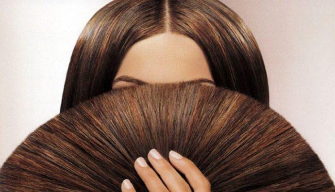 Девушка с ровными, не секущимися концами волос