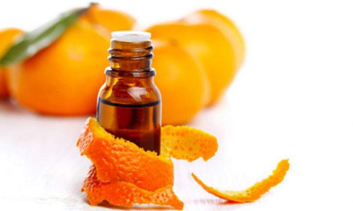Эфир апельсина в тёмной бутылочке