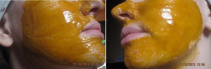 Маска с куркумой на лице девушки