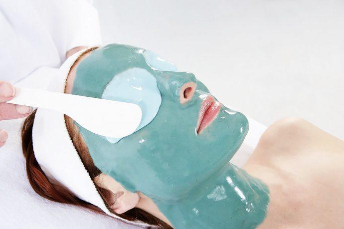 Альгинатная маска на лице (голубая)