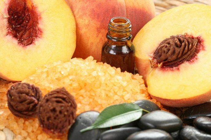 Персиковое масло и плоды