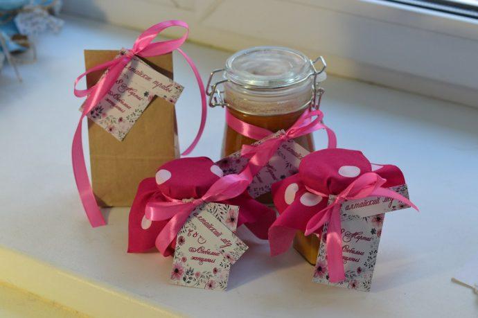 Подарочный набор с чаем и медом
