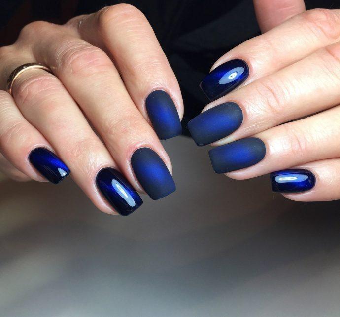Маникюр шеллак синего цвета