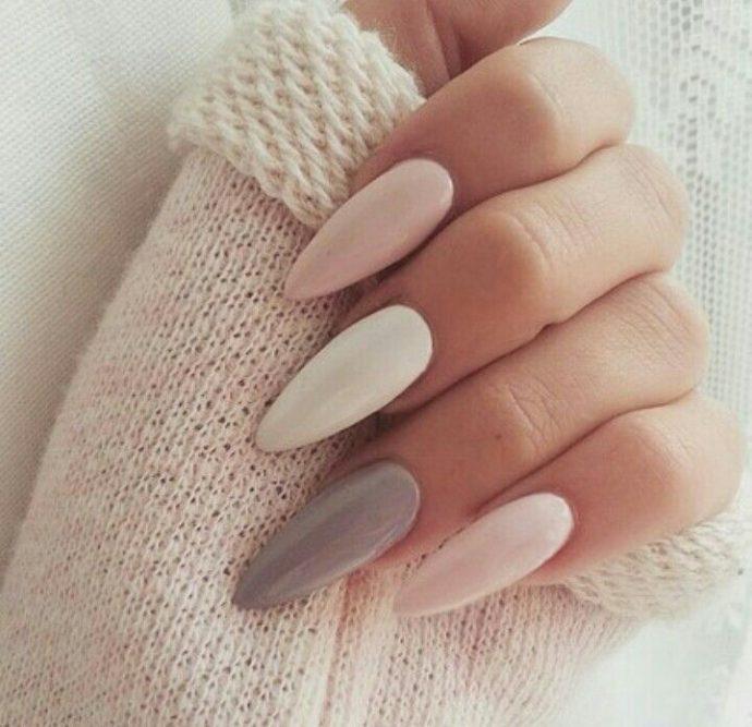 Разноцветные ногти разных пастельных оттенков