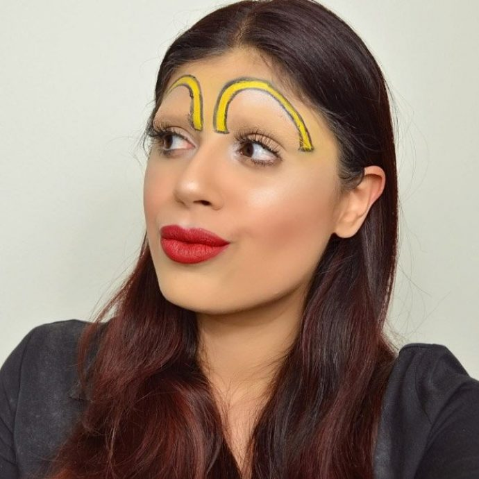 Девушка с желтыми бровями
