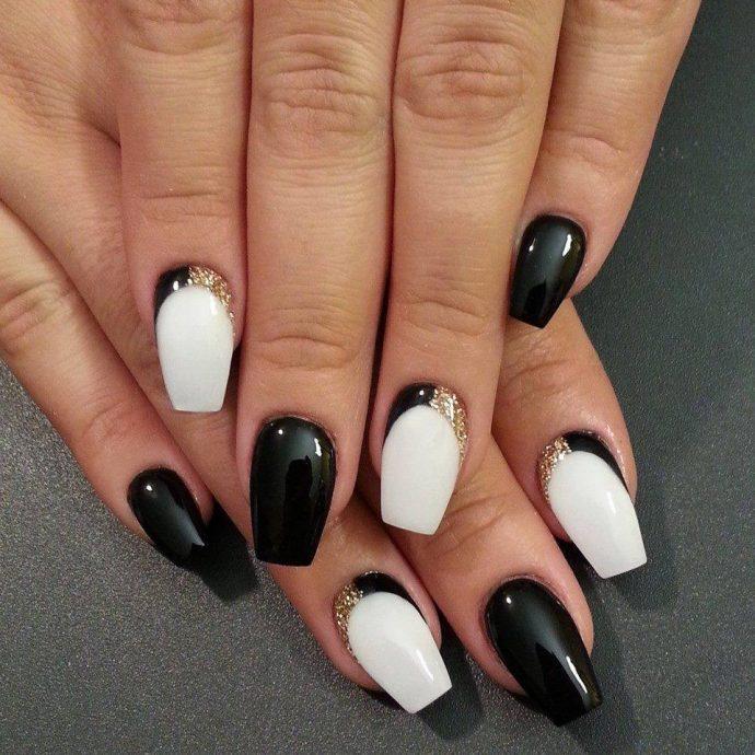 Черно-белый вечерний маникюр