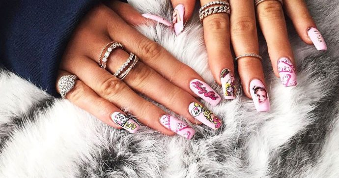 Яркий дизайн наращённых ногтей