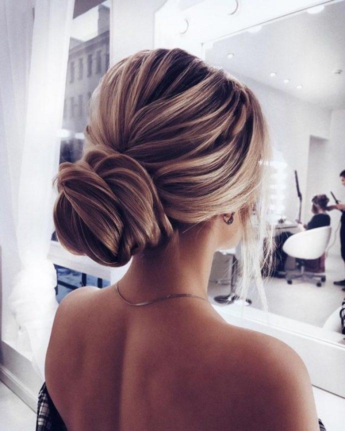 Вечерняя укладка для длинных волос