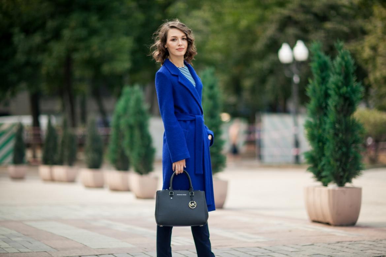 С чем носить эффектное синее пальто: модные советы