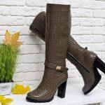 С чем носить коричневые сапоги: модные советы по созданию стильных образов