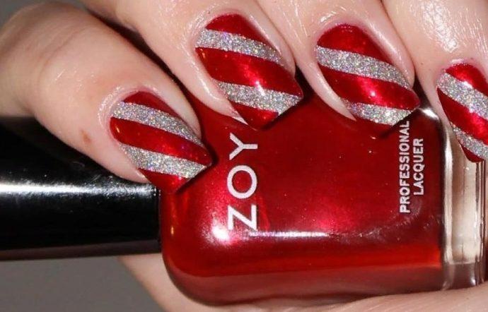 Красный маникюр с серебряными полосками