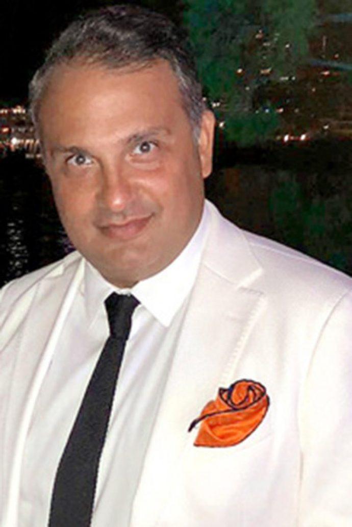 Глава холдинга Berin Iglesias Art