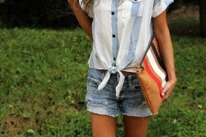Образ с джинсовыми шортами