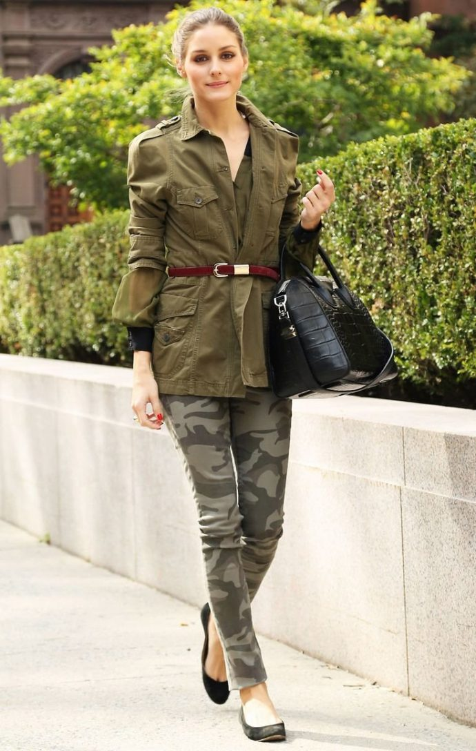 Цвет хаки в сочетании с камуфляжной одеждой