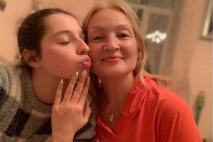 Дочь и мама Анастасии Волочковой